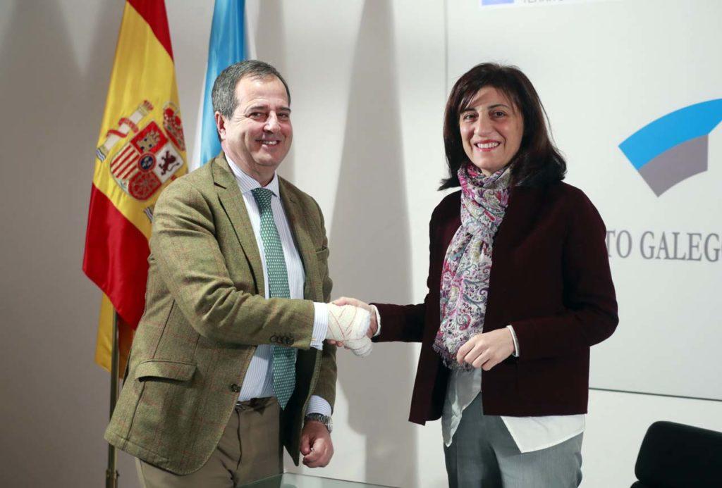 Ángeles Vázquez y Gaspar González-Palenzuela firmaron el convenio de colaboración.