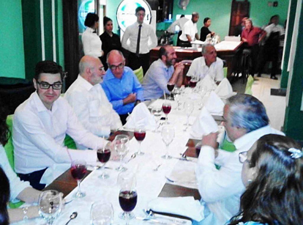 Antonio Solesio Jofre de Villegas, Juan Fernández Trigo, Jesús Chacón García, Jorge de Peralta Monparler y Ángel Dagas, presidente de Centro Andaluz de La Habana.
