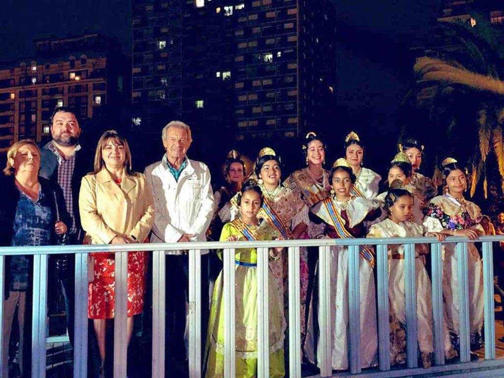 Autoridades y reinas en el palco oficial.