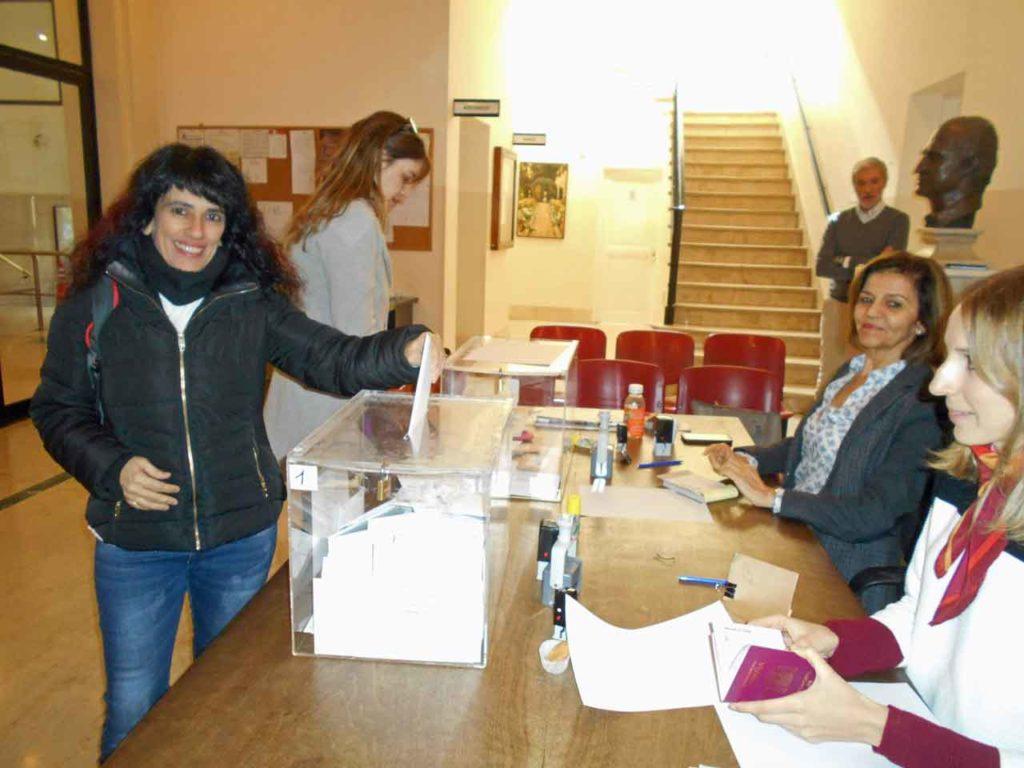 """Silvia Beatriz Jorge Rodríguez afirmó que el sistema de voto rogado """"es un rollo y desgana a muchas personas""""."""