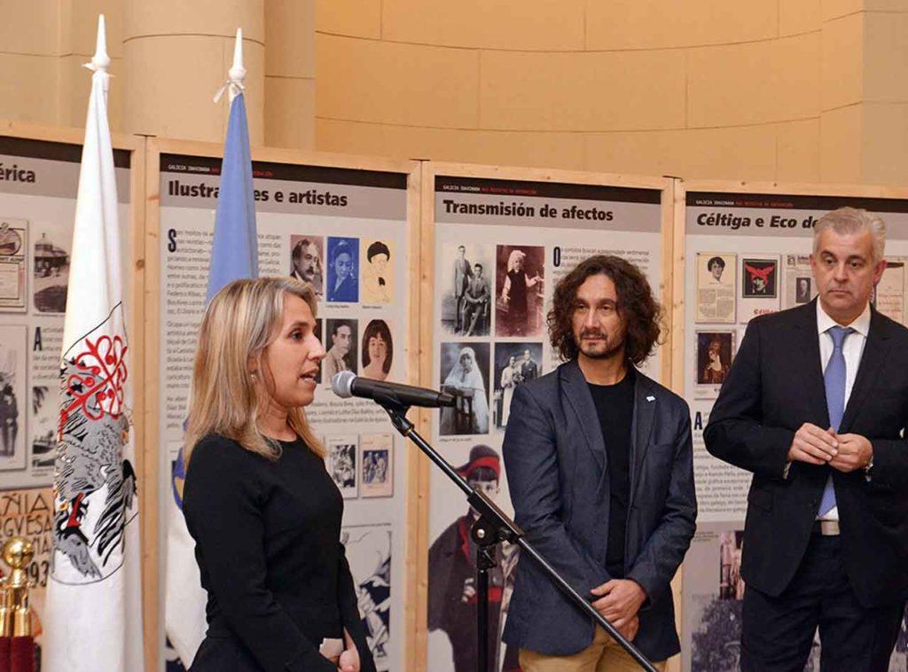 Cecilia Ferrero, Ruy Farías y Alejandro López Dobarro en el acto de inauguración de la muestra.