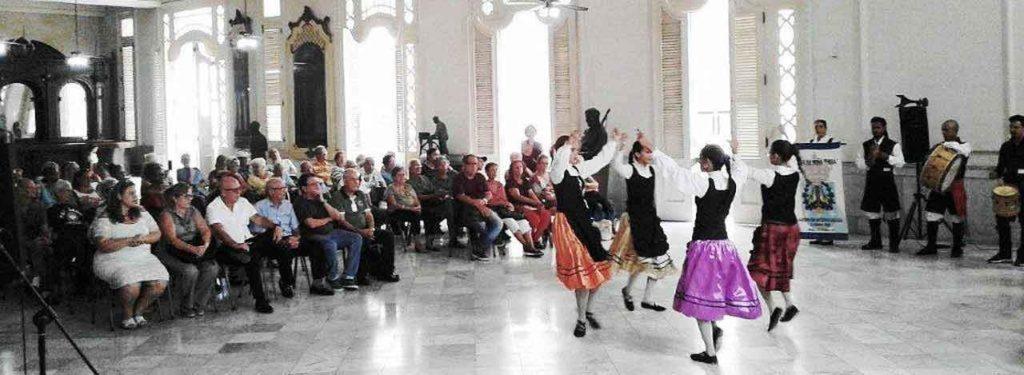 Acto central de la FSGC por el Día das Letras Galegas en el histórico Palacio del Centro Gallego de La Habana.