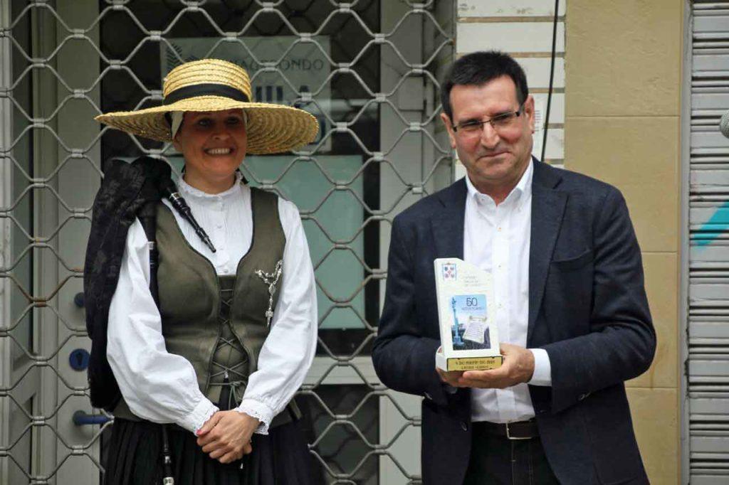 José Iglesias de la Fuente recibió un recuerdo del acto.