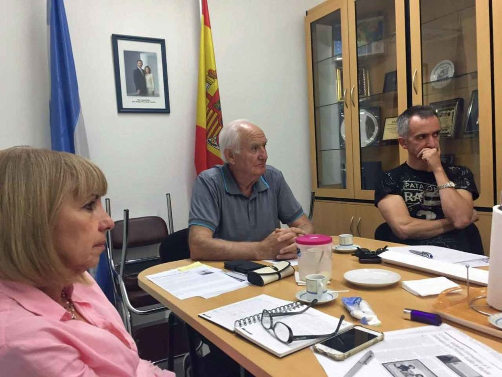 Reunión de trabajo en la Asociación Española de Puerto Madryn.