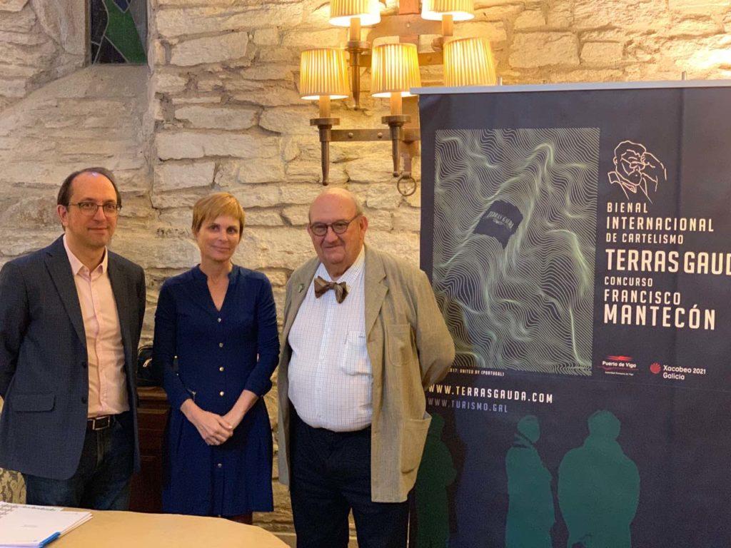 Anxo Lorenzo, Nava Castro y José María Fonseca, en la presentación del certamen que se celebró en Santiago de Compostela.