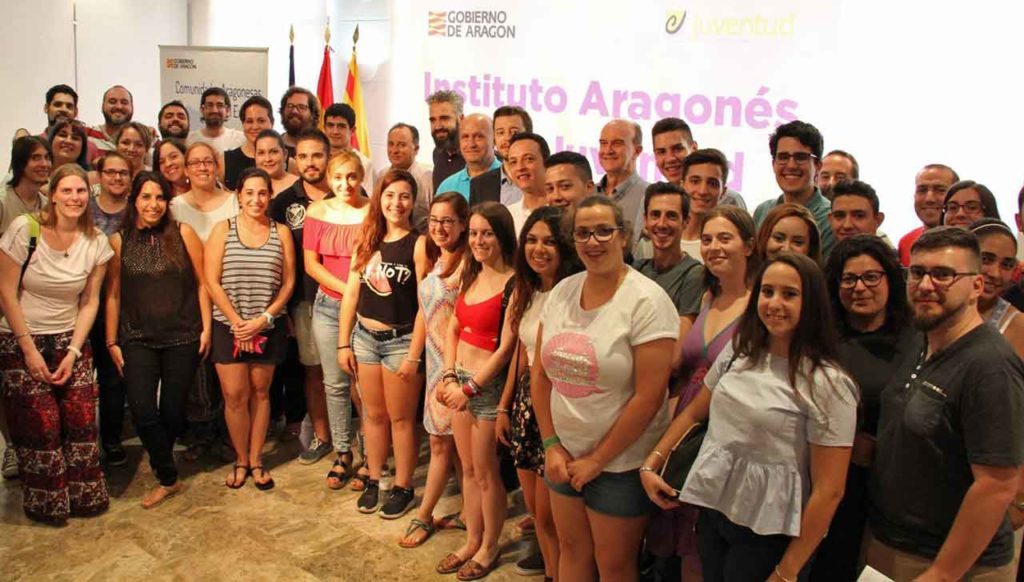 Jóvenes españoles en el exterior originarios de la comunidad de Aragón.