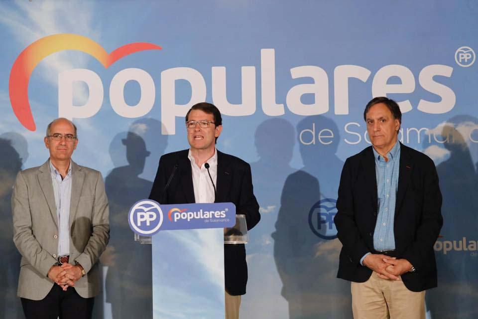 Alfonso Fernández Mañueco compareció tras conocerse el recuento de votos.
