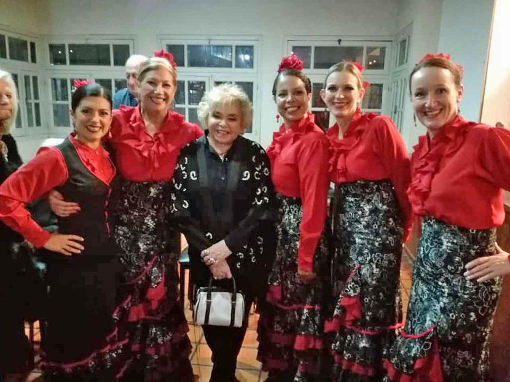 Algunas de las bailarinas del grupo.