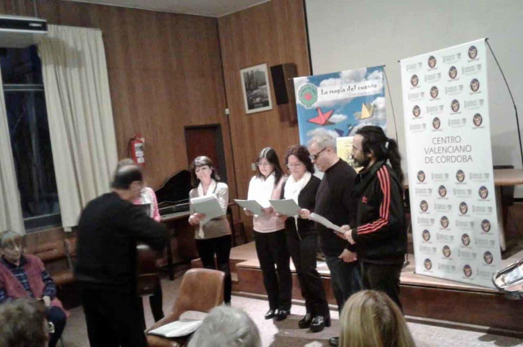 El taller de canto Vocalis durante su actuación.