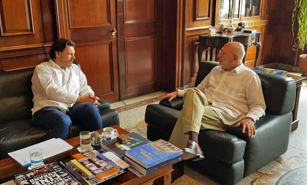 Antonio Rodríguez Miranda con el embajador de España en Cuba, Juan Fernández Trigo.
