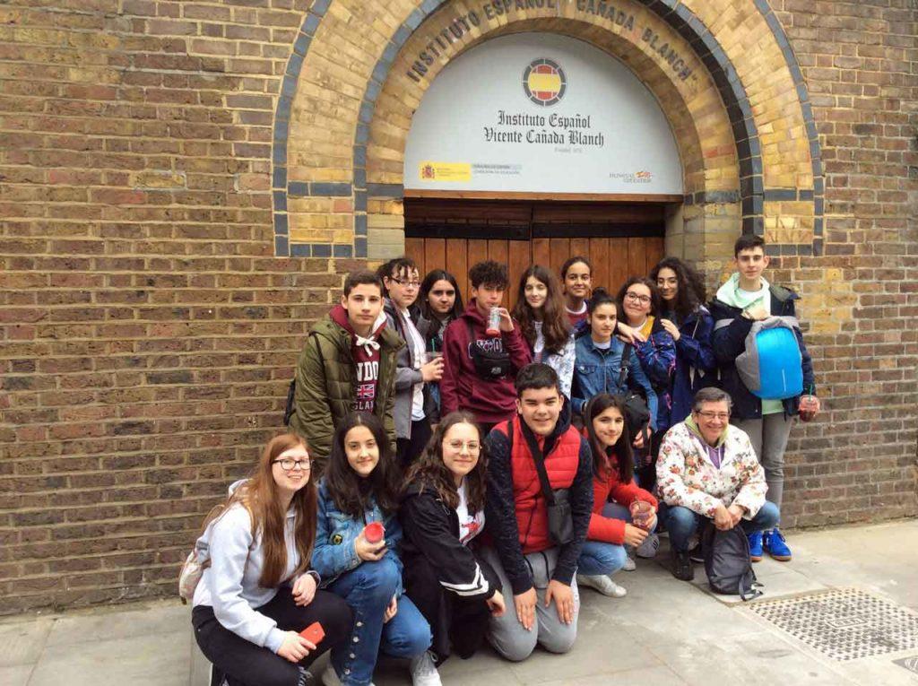 Los jóvenes de Negreira en el Instituto Cañada Blanch de Londres.