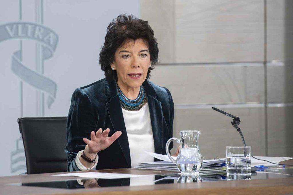 Isabel Celaá, durante la rueda de prensa posterior al Consejo de Ministros.