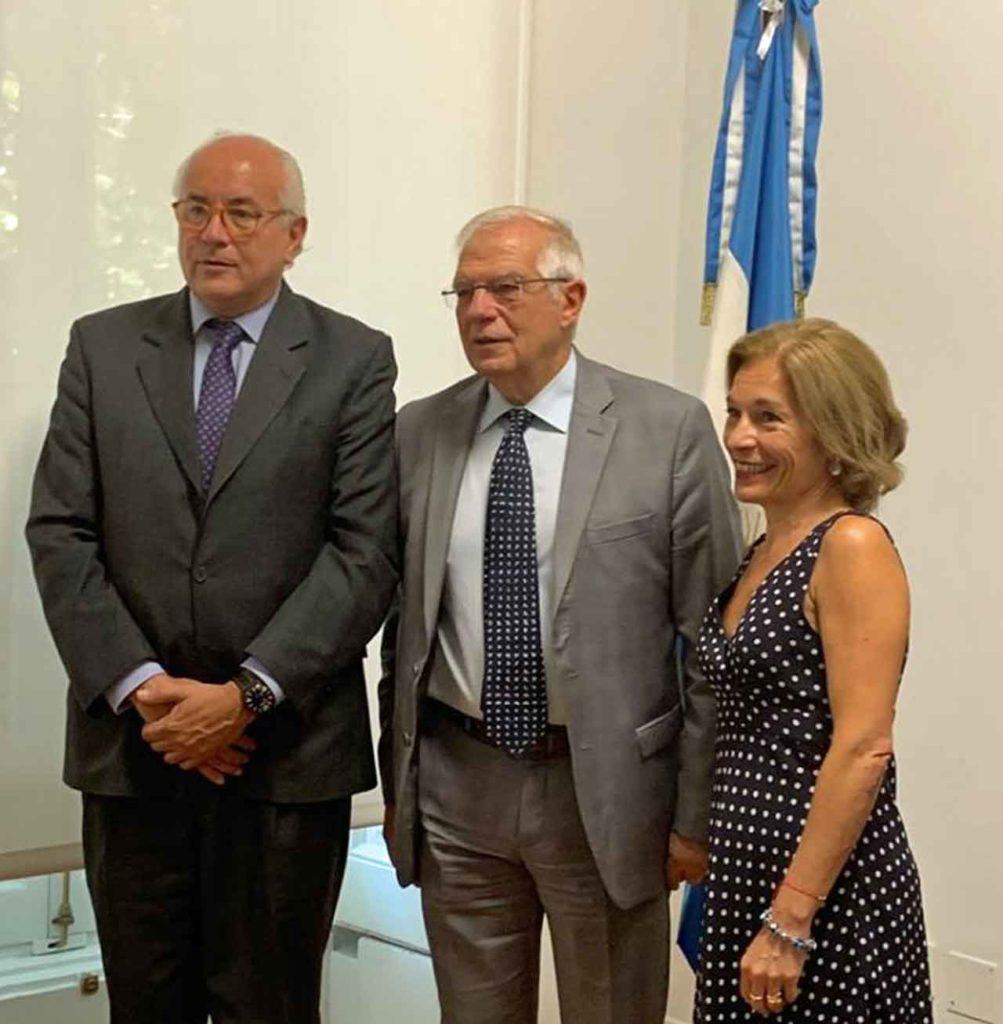 Eduardo Michel, Josep Borrell y Moira Wilkinson.