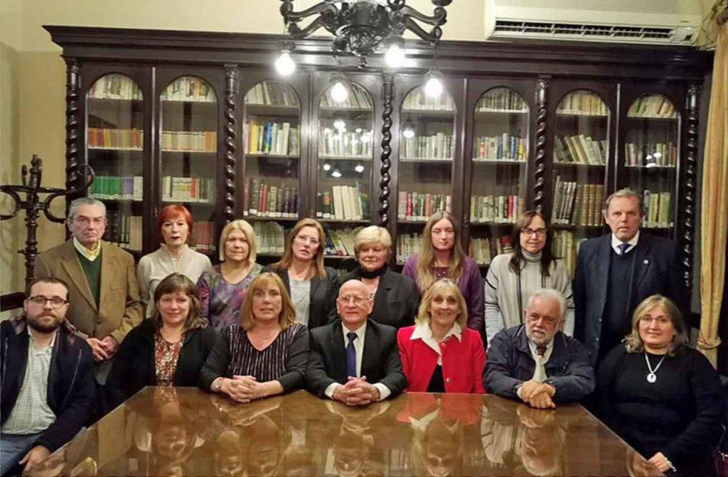 La nueva directiva del Centro Gallego de Montevideo.