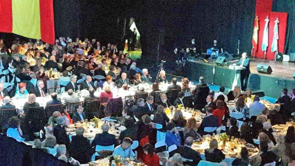 El pabellón polideportivo de la sede social presentó un lleno total.
