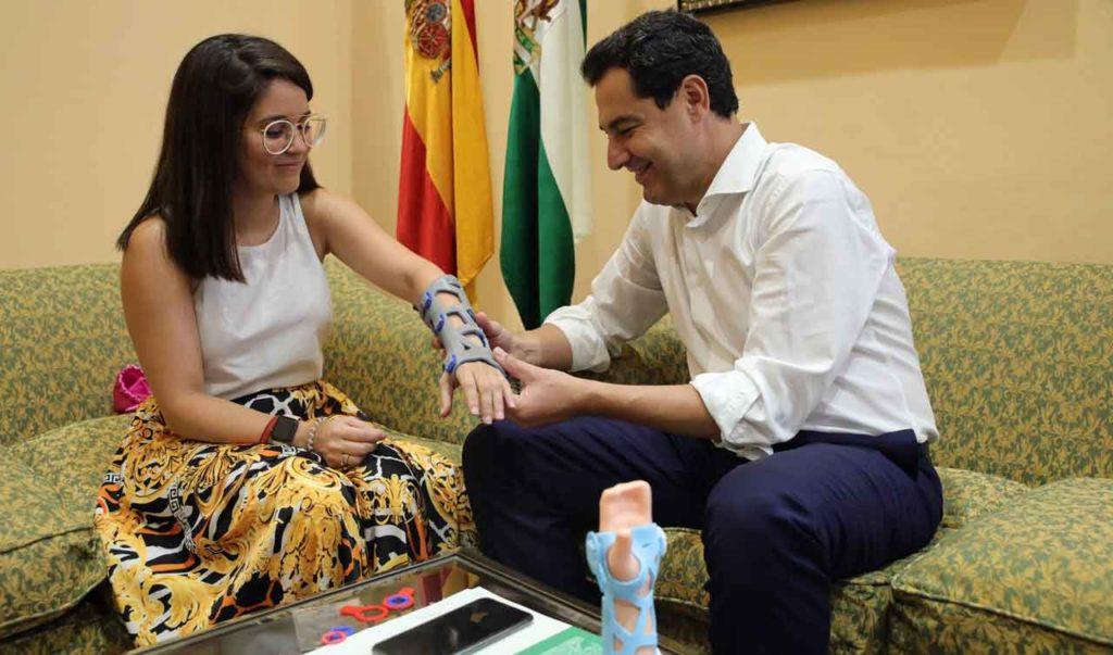 Raquel Serrano y Juanma Moreno.