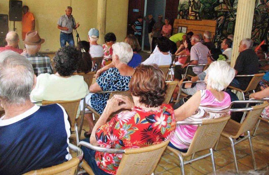 El presidente de la Sociedad Gallega de Matanzas, Domingo Teijido, pronunció las palabras centrales por el Día de Galicia.