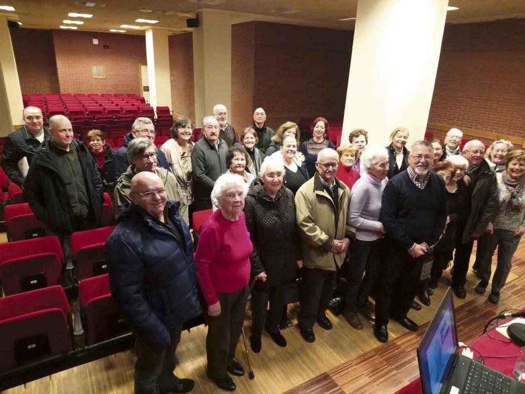 Asistentes a la II Asamblea General de Asopeve-Asturias, celebrada el 30 de enero, con el presidente Sergio Primiani y el resto de la junta en primer término.