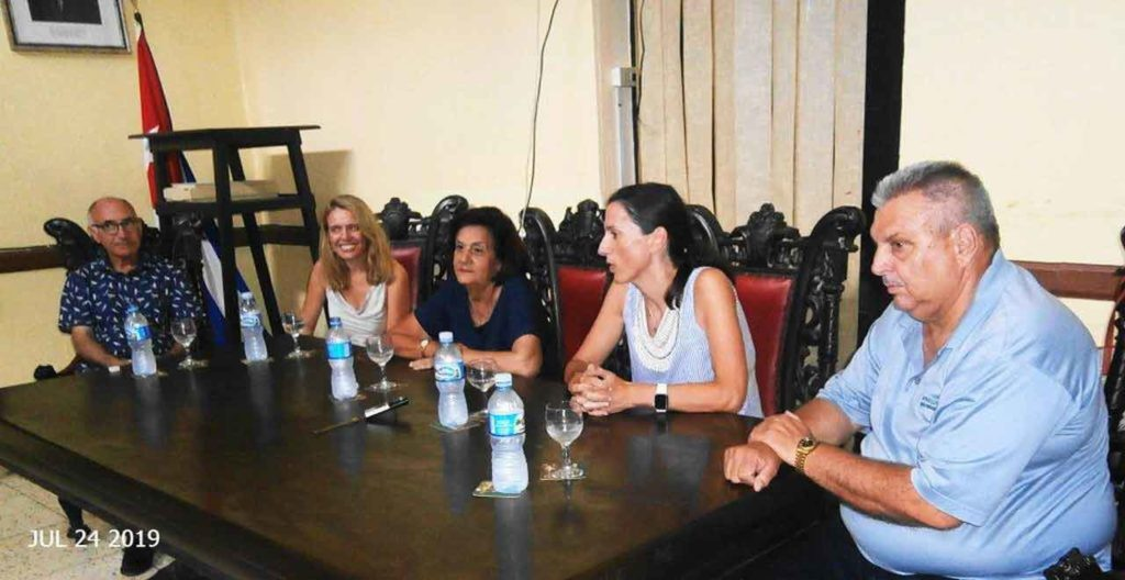La reunión del CRE contó entre otros con la presencia de la ministra consejera de la Embajada de España en Cuba Nuria Reigosa.