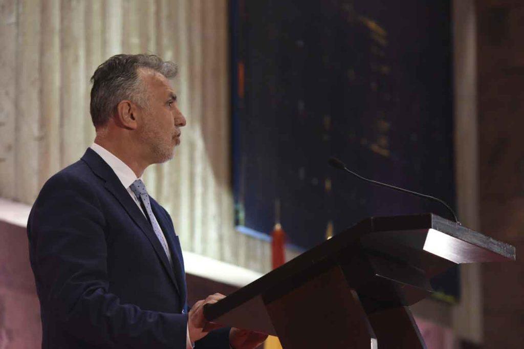 Ángel Víctor Torres, durante su toma de posesión como nuevo presidente de Canarias.