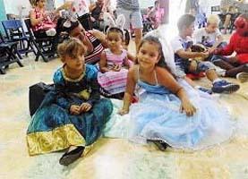 En la fiesta de disfraces participaron medio centenar de pequeños asociados y sus familiares.