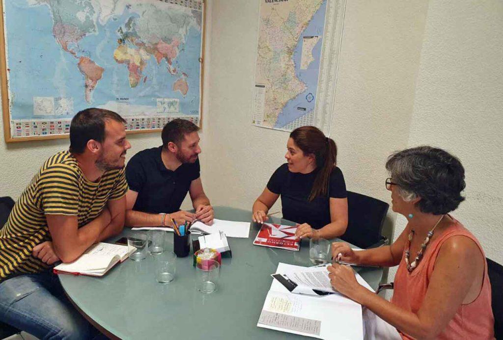 María Martínez, centro, con los responsables de la Generalitat Valenciana.