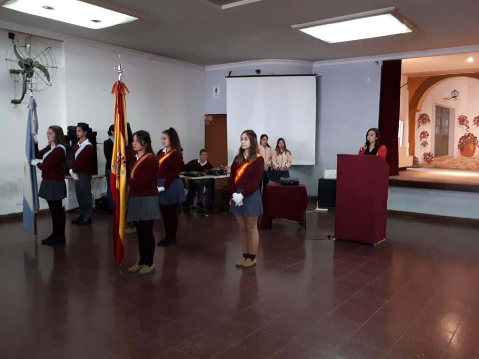 Abanderados del colegio Hispano Argentino.