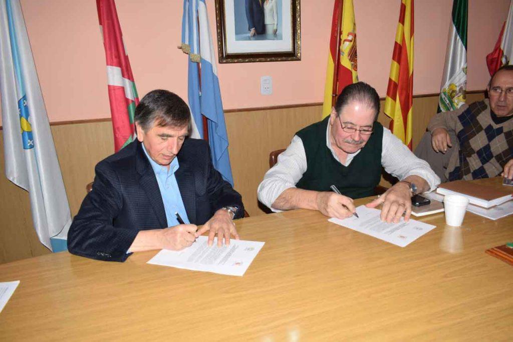Bautista Alberto Pérez y Ernesto Ordóñez Ordóñez firmaron la carta.