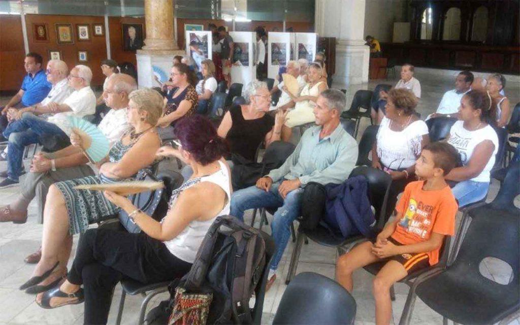 Vista parcial de los participantes en la velada conmemorativa por el 500 aniversario de La Habana.