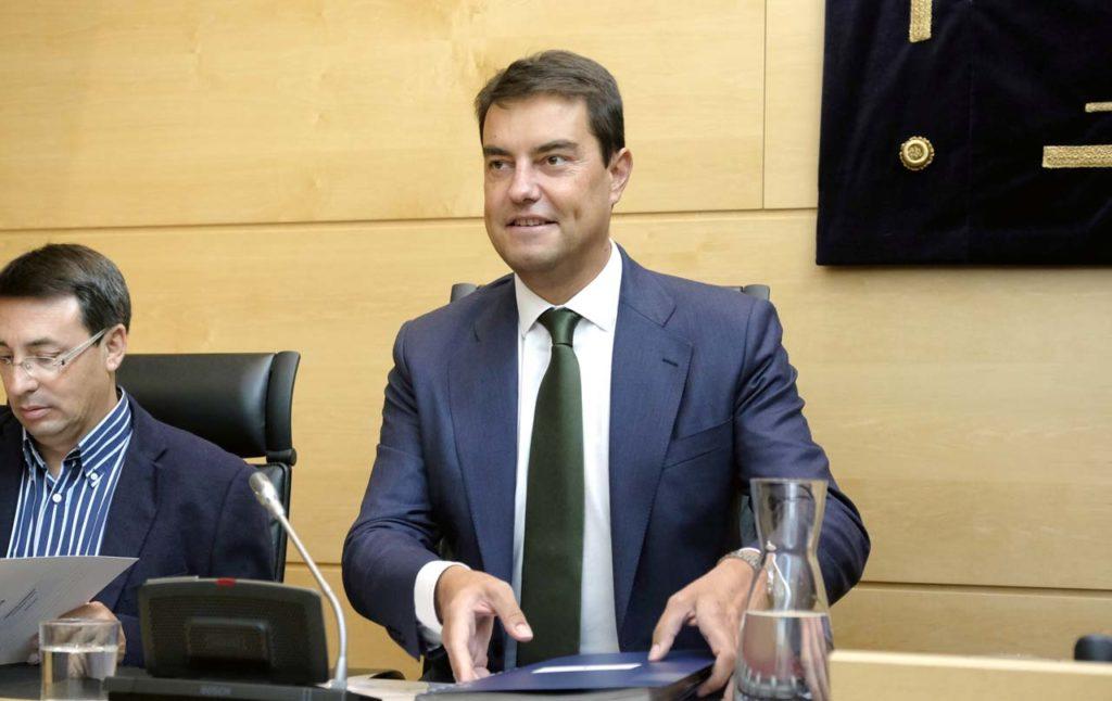 El consejero de la Presidencia, Ángel Ibáñez, durante su intervención.