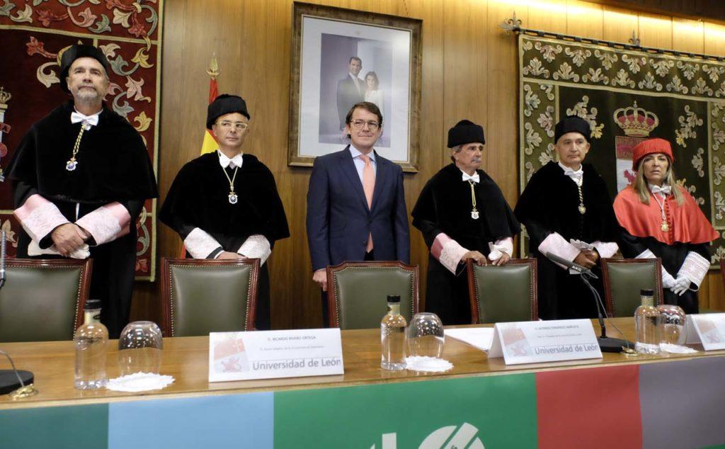 El presidente de la Junta de Castilla y León, Alfonso Fernández Mañueco, asistió la inauguración del curso académico 2019-2020 de las universidades de Castilla y León en el Aula Magna San Isidoro de la Universidad de León.