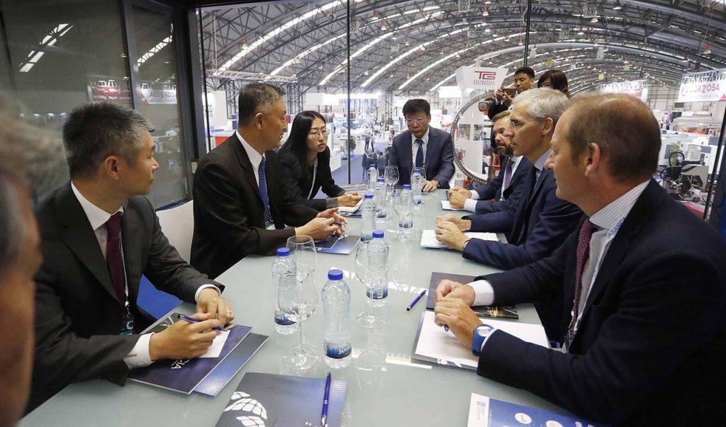 El conselleiro de Economía, Emprego e Industria, Francisco Conde, se reunió con una delegación de empresas del país asiático encabezada por la Cámara de Comercio China para la Exportación de Maquinaria y Productos Electrónicos.