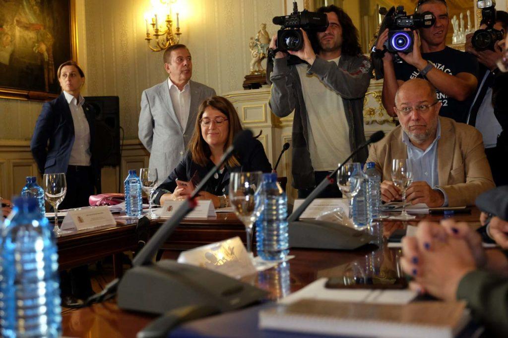 El vicepresidente, portavoz y consejero de Transparencia, Ordenación del Territorio y Acción Exterior, Francisco Igea, participó en Madrid en el Pleno de la Conferencia para Asuntos Relacionados con la Unión Europea (Carue).