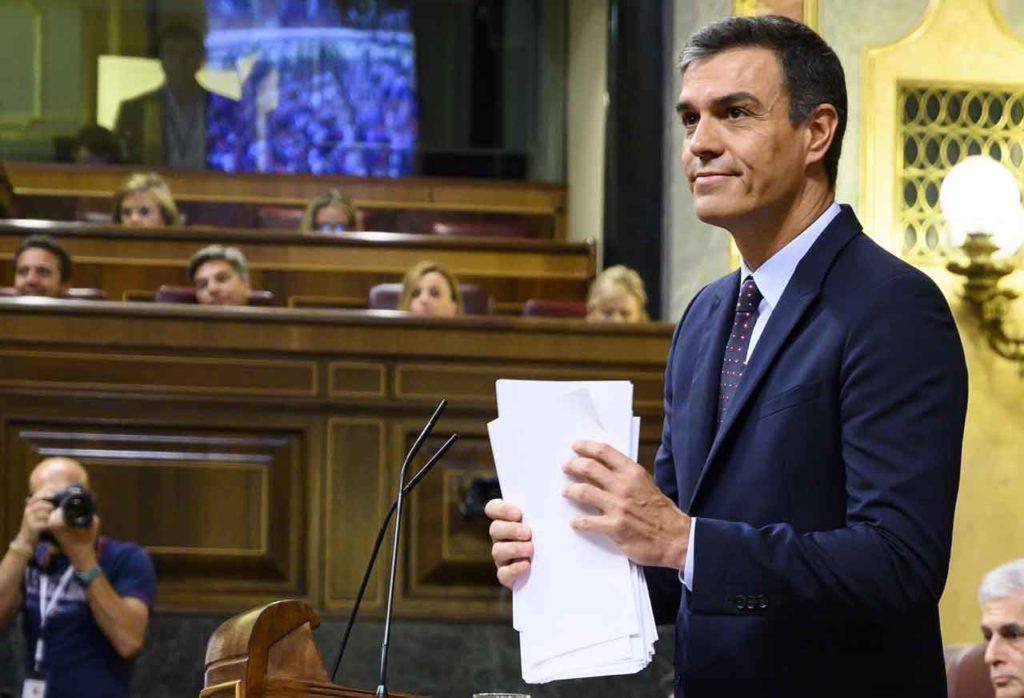 Pedro Sánchez, durante su intervención ante el pleno del Congreso para informar sobre el Brexit.