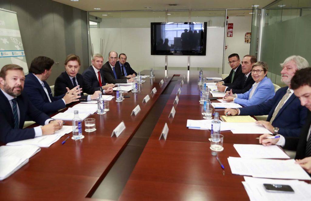 El vicepresidente de la Xunta, Alfonso Rueda, presidió la primera reunión del Grupo de Trabajo Interdepartamental para hacer un seguimiento y proponer medidas ante el brexit.