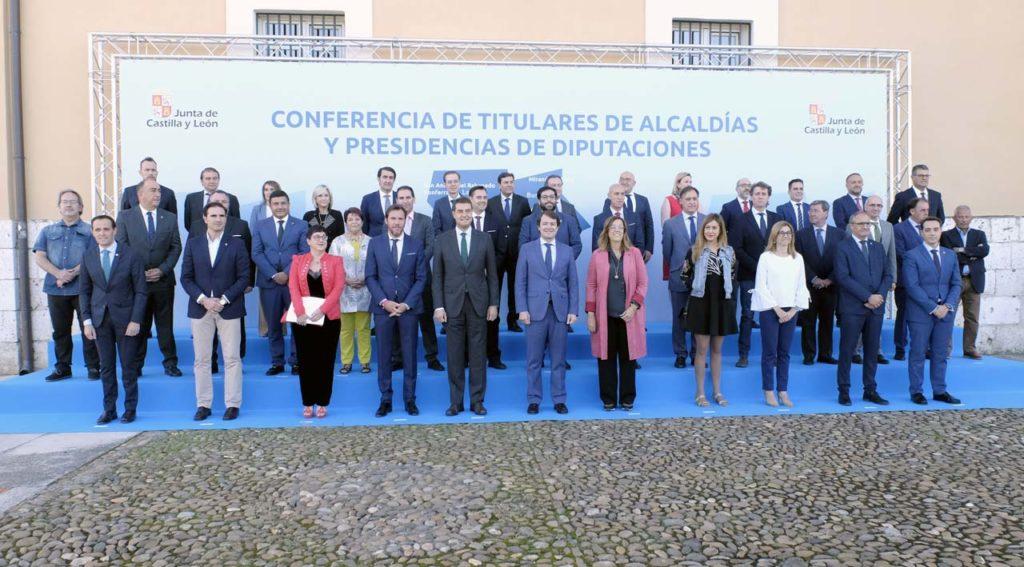 El presidente de la Junta de Castilla y León, Alfonso Fernández Mañueco, presidió la primera Conferencia de Alcaldes y Presidentes de Diputación.