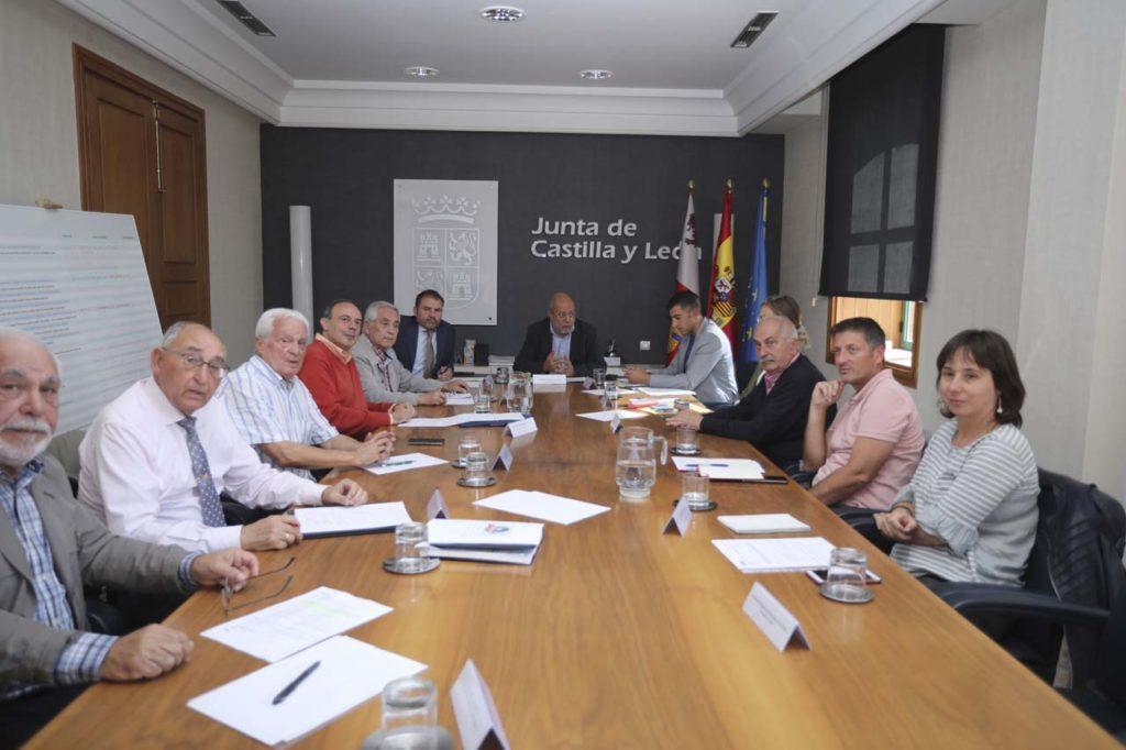 Vista de la reunión del Grupo de Trabajo de ciudadanía castellana y leonesa en el exterior.