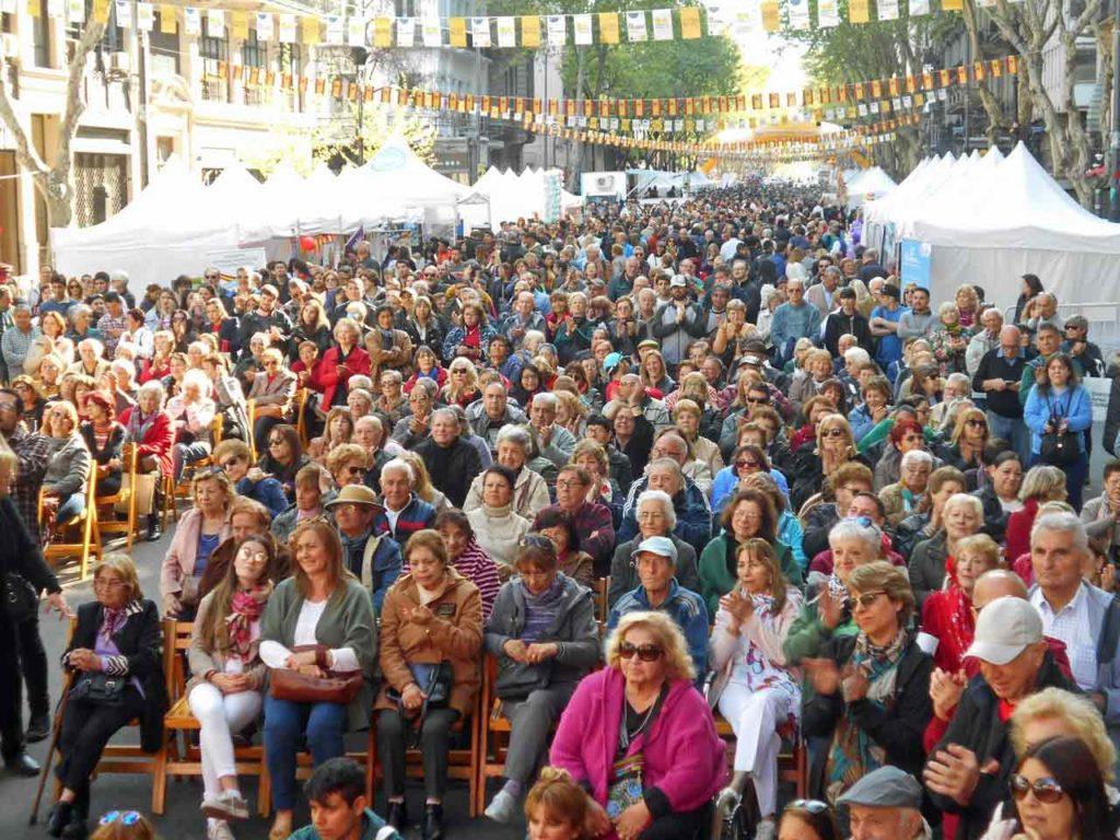 Una multitud asistió a la novena edición del festival.
