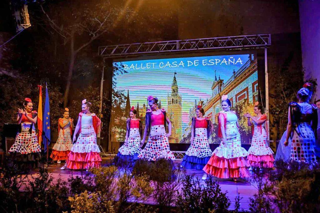 El Ballet Casa de España durante su presentación.