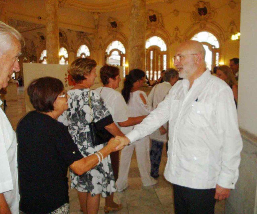 El embajador de España en Cuba, Juan Fernández Trigo, recibió a los invitados.