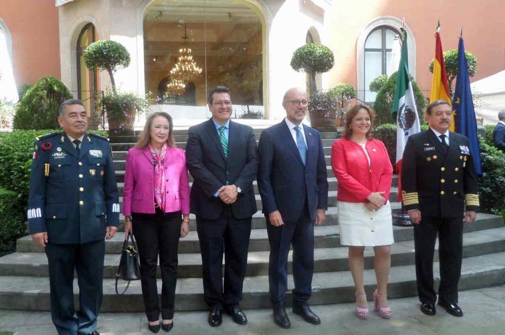 Dagoberto Espinosa Rodríguez, Yasmín Esquivel, Marco Antonio Mena Rodríguez, Juan López-Dóriga, Martha Delgado Peralta y Eduardo Redondo Aramburu.