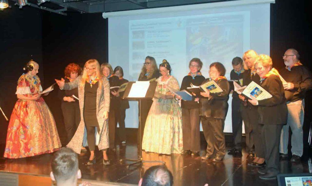 Actuación del Coro La Senyera.