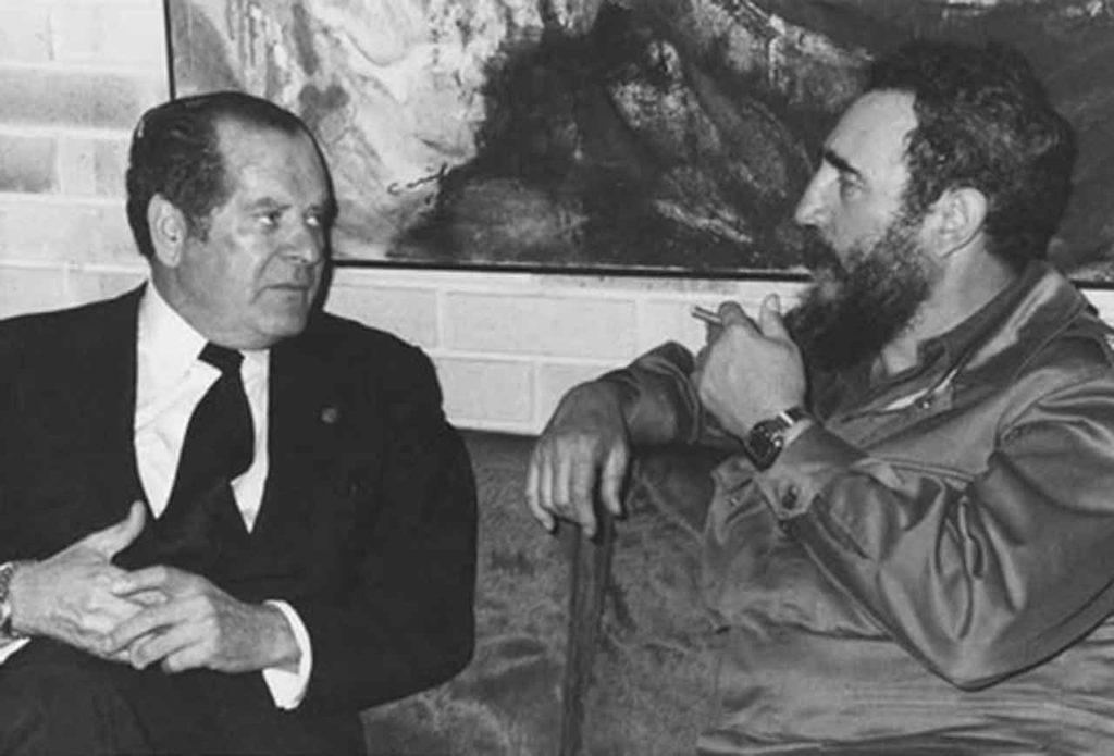 Eduardo Barreiros con Fidel Castro en La Habana.