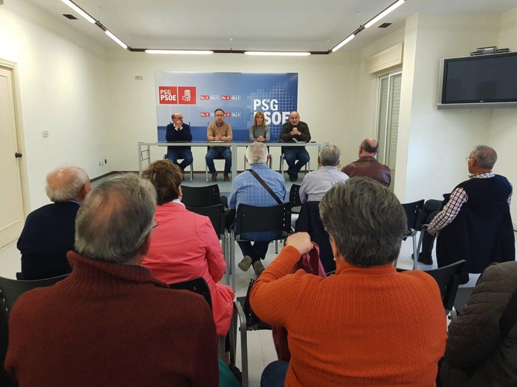Luís Gulín, Juan Carlos Francisco, Marina Ortega y Adolfo Pérez durante el encuentro con los retornados de Alemania en Ourense.