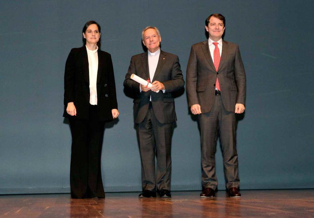 El presidente de la Junta de Castilla y León, Alfonso Fernández Mañueco, en la entrega del 14º Premio Diario de León al Desarrollo Social y los Valores Humanos a la Fundación Juan Soñador.