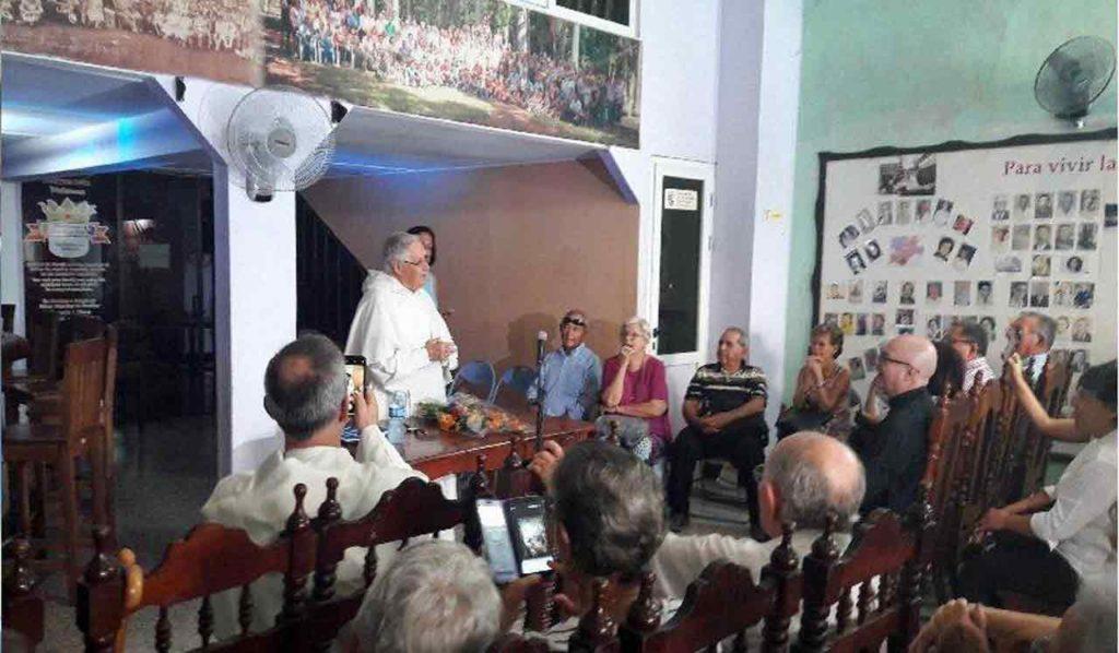 Manuel Uña durante la conferencia que impartió en la sede de la Ascyl.