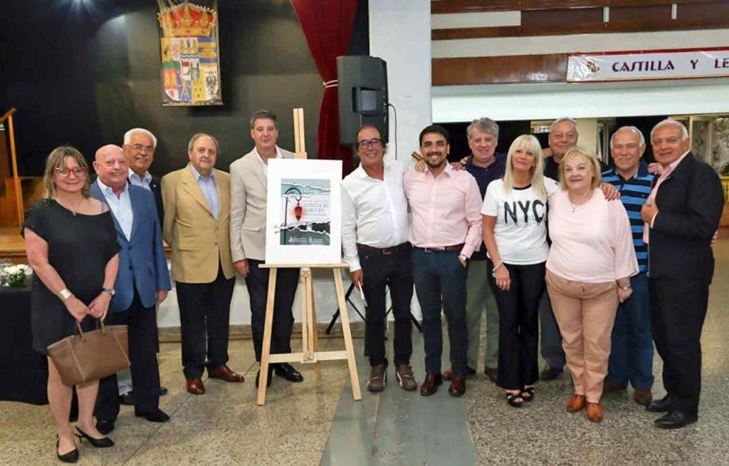 Autoridades del Centro Zamorano y de la Federación junto a Barreña al finalizar la presentación.