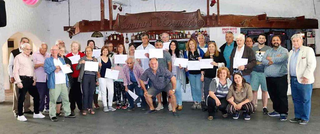 Foto de familia de los participantes.
