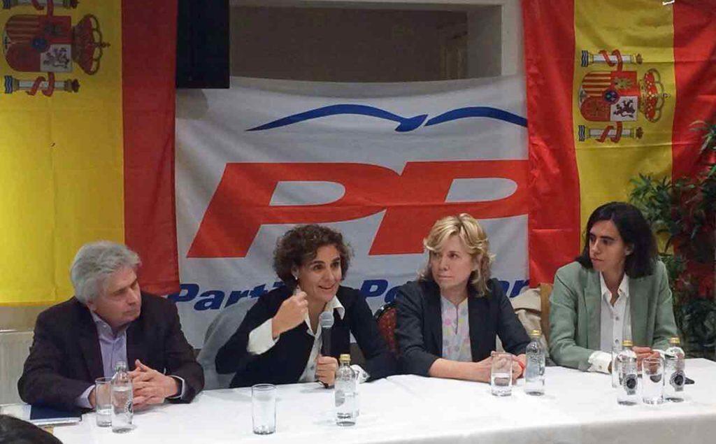 Jesús Ledo, junto a las eurodiputadas Dolors Montserrat, Pilar del Castillo e Isabel Benjumea.