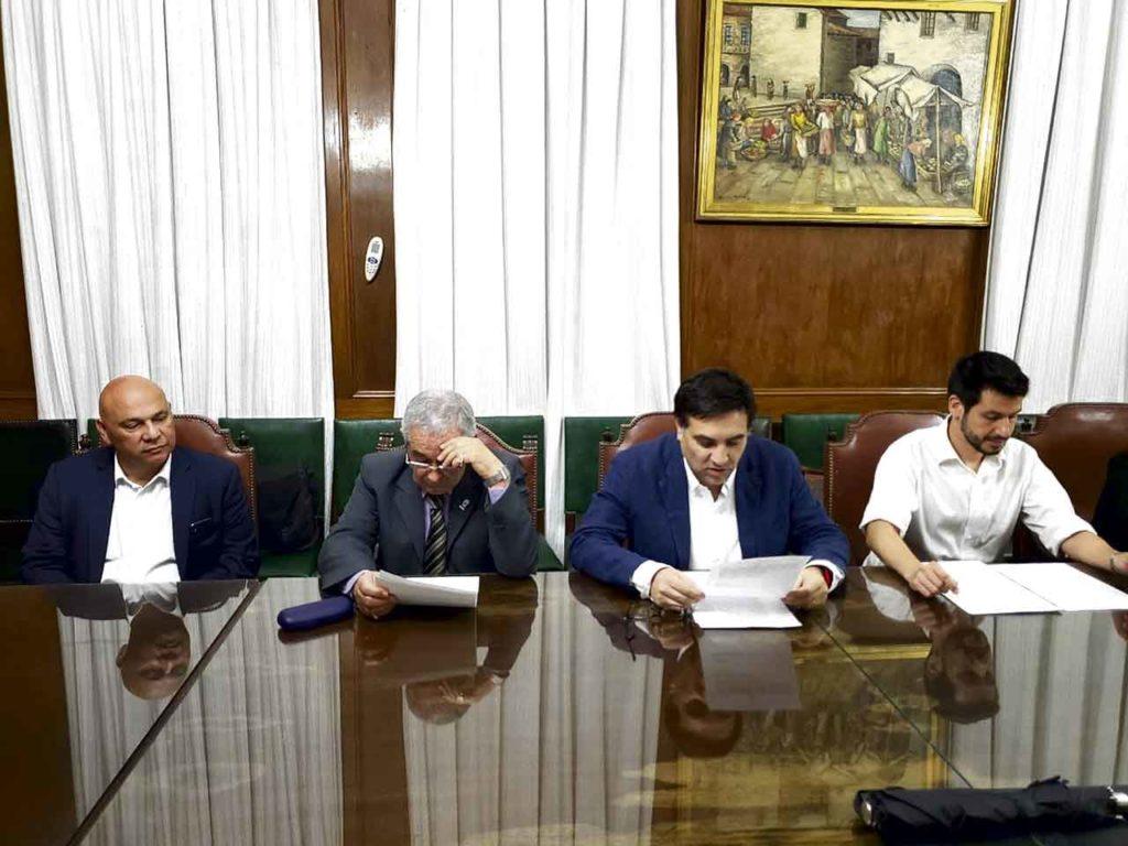 Olmos, Suárez, Moyano Barro y Serafini durante la firma del acto de asunción de las nuevas autoridades